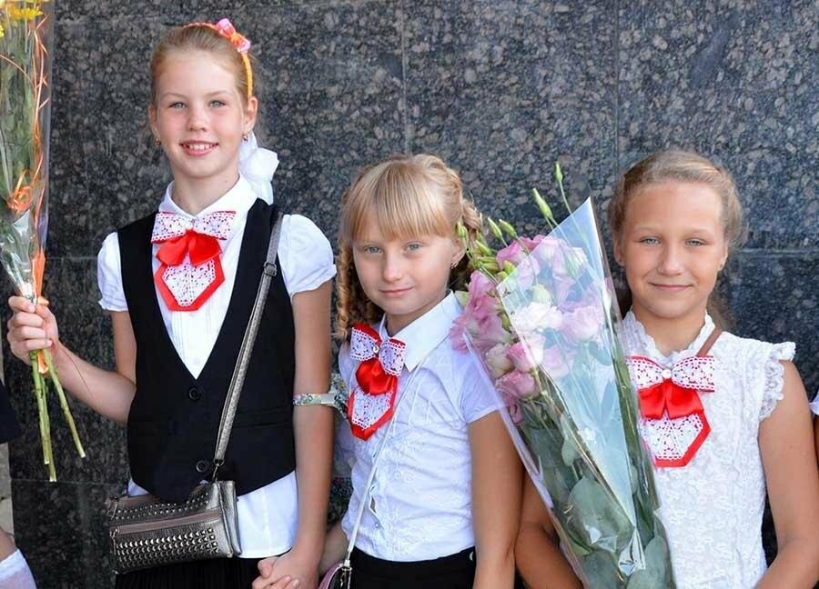Здравствуй, школьная пора! Как отмечают День знаний в Севастополе, фото-1