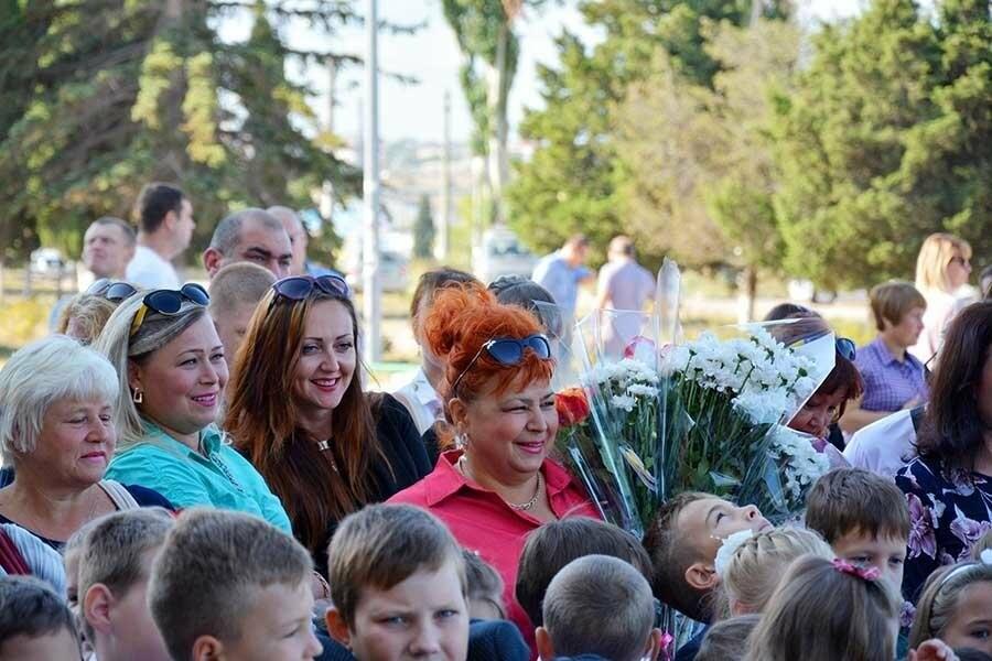 Здравствуй, школьная пора! Как отмечают День знаний в Севастополе, фото-3