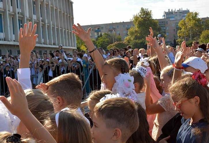 Здравствуй, школьная пора! Как отмечают День знаний в Севастополе, фото-19