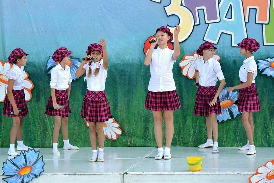 Здравствуй, школьная пора! Как отмечают День знаний в Севастополе, фото-6