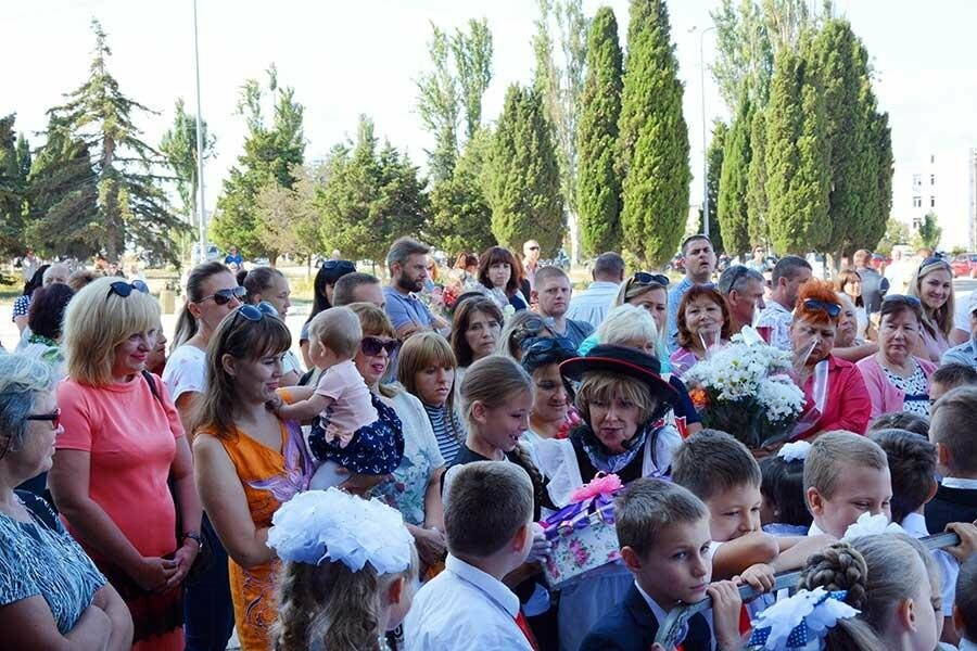 Здравствуй, школьная пора! Как отмечают День знаний в Севастополе, фото-15