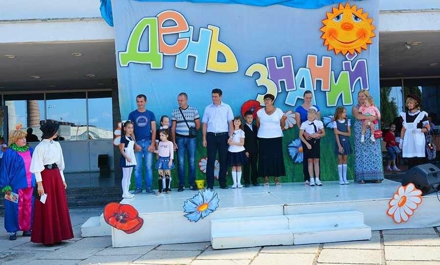 Здравствуй, школьная пора! Как отмечают День знаний в Севастополе, фото-12
