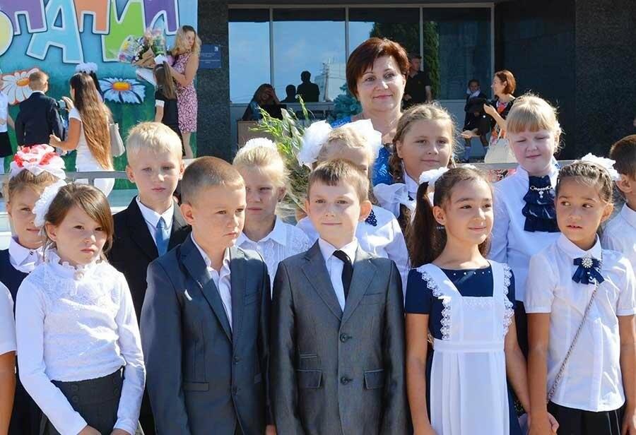 Здравствуй, школьная пора! Как отмечают День знаний в Севастополе, фото-17