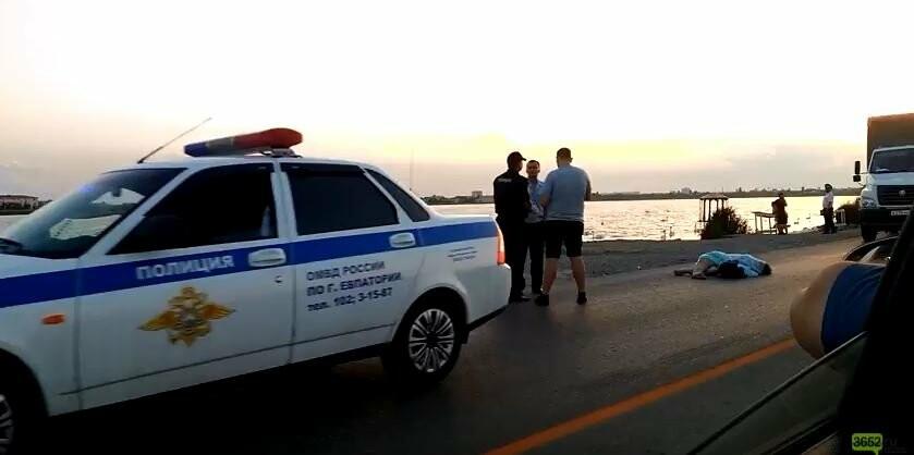 """Возле """"лебединого"""" озера в Крыму сбили насмерть женщину, - ВИДЕО, ФОТО, фото-2"""
