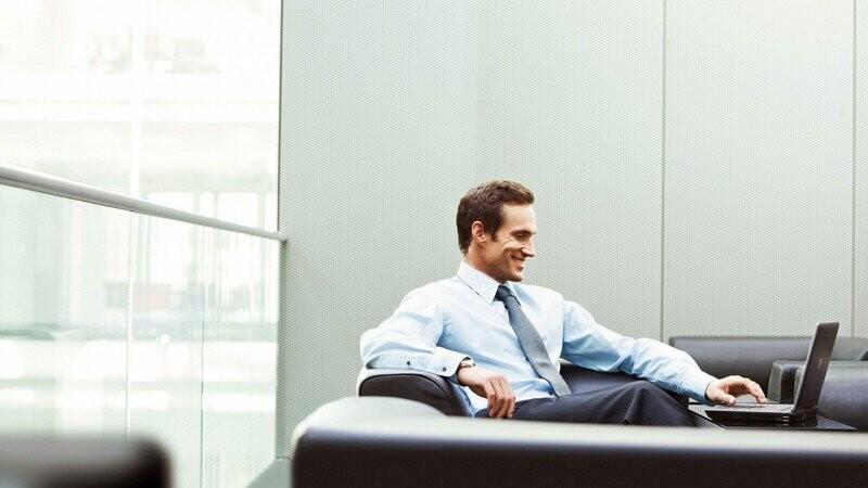 man-office-businessman-smile-laptop-1080x1920
