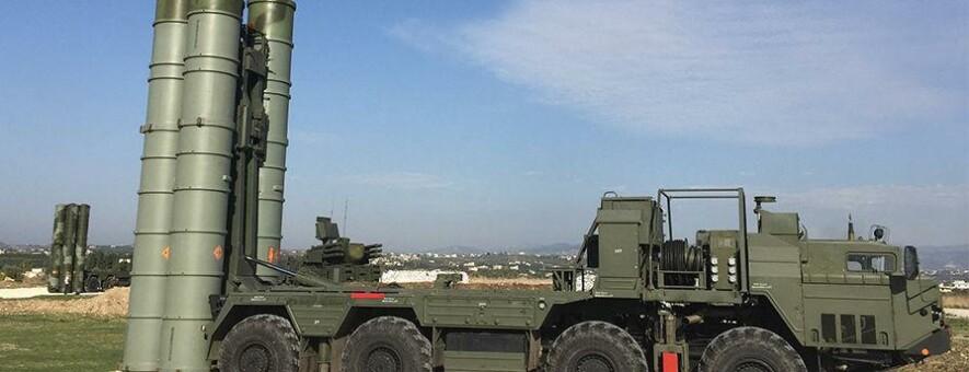 В Севастополе на боевое дежурство заступили ЗРК С-400 Триумф