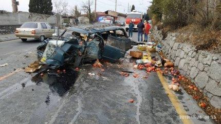 Пострадал мужчина: подробности ДТП с грузовиком на трассе Симферополь-Ялта, фото-3