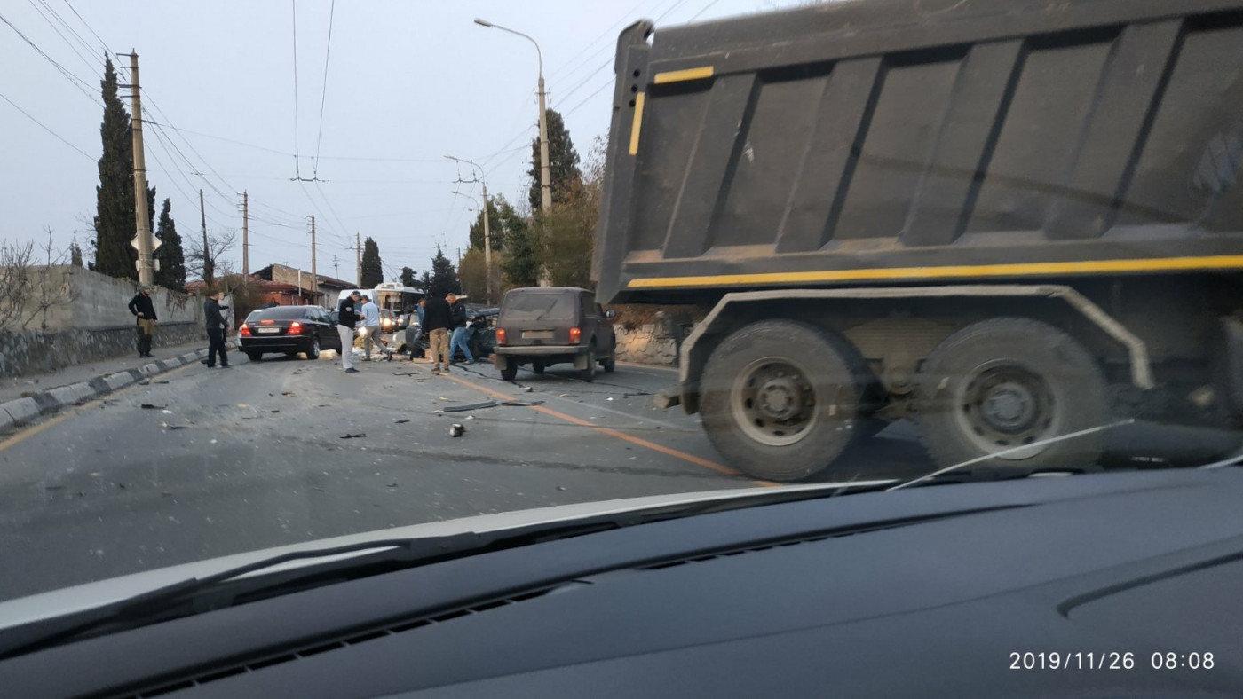 Пострадал мужчина: подробности ДТП с грузовиком на трассе Симферополь-Ялта, фото-2