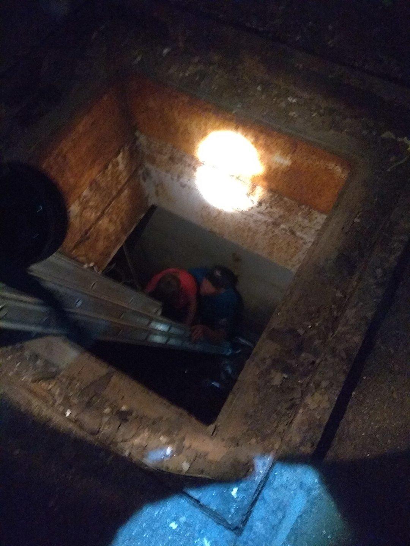 Мама с маленьким ребенком упали в шахту заброшенной АЭС в Крыму, - ФОТО, фото-3